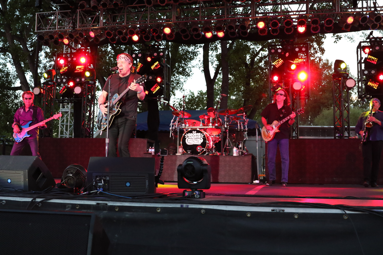 George thorogood and the destroyers at hudson gardens in littleton co on 14 jun 2015 national for Hudson gardens concert schedule
