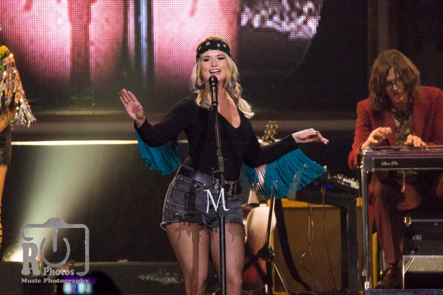 miranda lambert at van andel arena in grand rapids mi