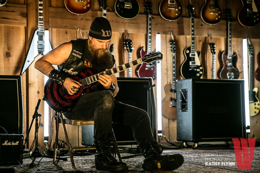 master class with zakk wylde at guitar center in hollywood ca national rock review. Black Bedroom Furniture Sets. Home Design Ideas