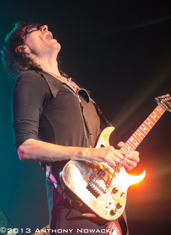 steve-vai-intersection-11-7-13-800-px-24