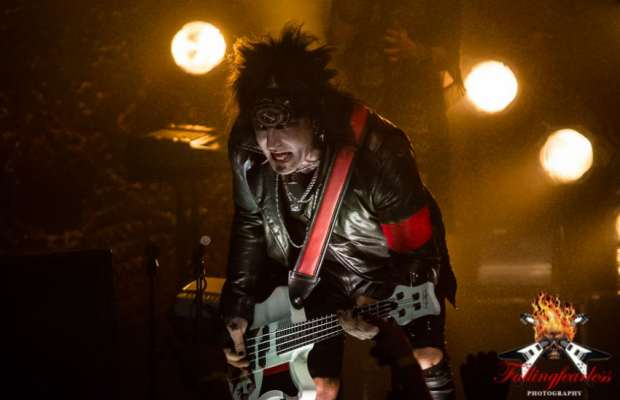 Sixx: A.M. at The Vic Theatre in Chicago, IL on 04-Apr-2015