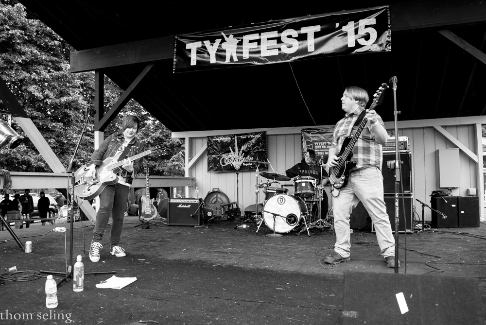 TheRoyalBlackbirds-Tyfest15-Hell_MI-20150627-ThomSeling