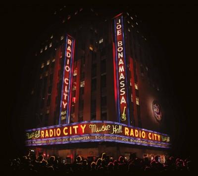 PublicityPhoto-JoeBonamassa-LiveAtRadioCityMusicHall
