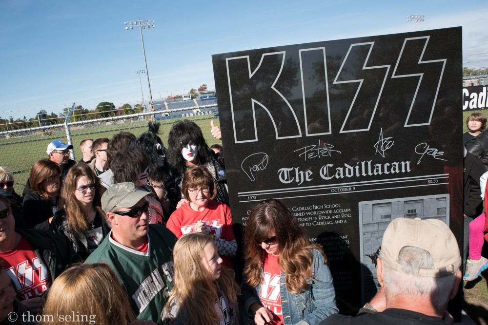 kisscadillachomecoming-cadillachighschool-cadillac_mi-20151010-thomseling-021[1]