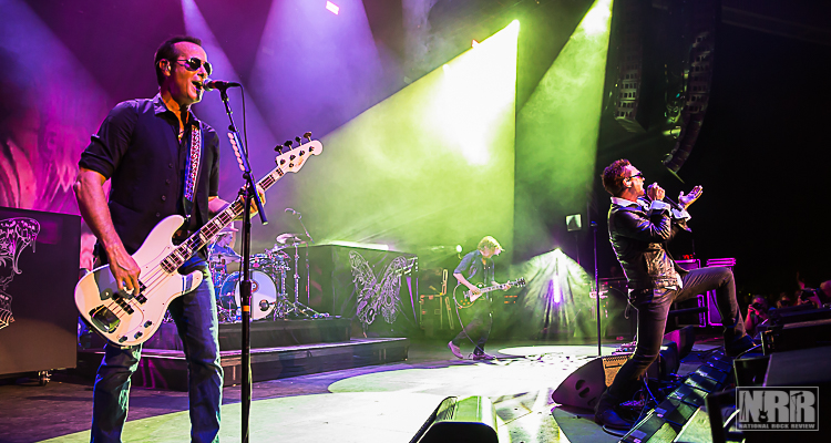 Stone Temple Pilots at Michigan Lottery Amphitheatre in Sterling ...