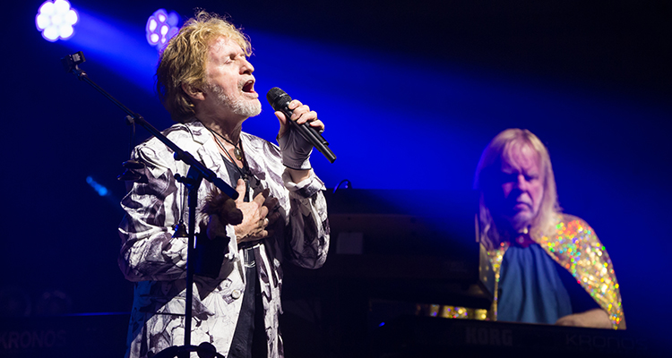 yes featuring anderson rabin and wakeman at newcastle city hall in newcastle uk national. Black Bedroom Furniture Sets. Home Design Ideas